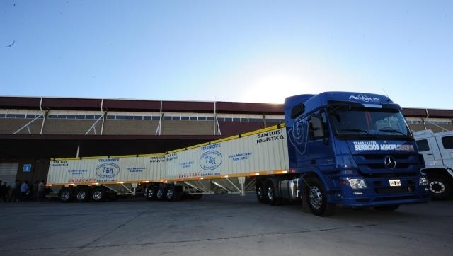 Se trata de camiones que pueden alcanzar hasta 25,25 metros de largo.