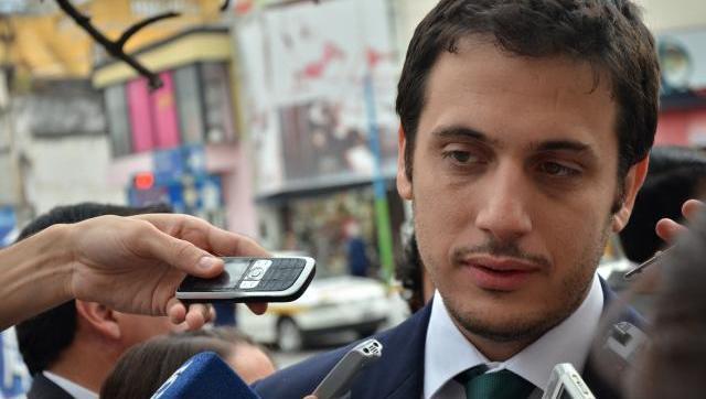 """Julián Álvarez: """"El alerta roja sobre Grindetti aún sigue vigente en interpol"""""""