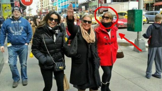 Carrió, Zuvic y Miedvietzky caminan por Nueva York.