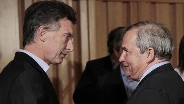 Mientras Lemus sonríe con Macri, denuncian falta de medicamentos de tuberculosis