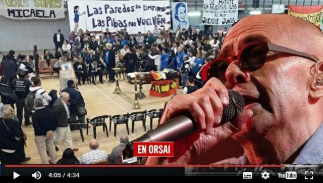Mirá: el Indio Solari cantó en el velatorio de Micaela García
