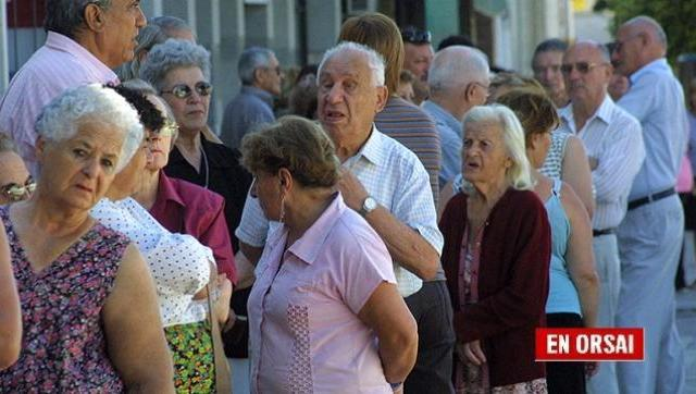 Mientras ayudan a los ricos, las jubilaciones y la AUH siguen perdiendo poder adquisitivo