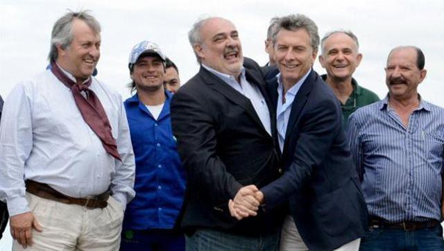 Después de atacar a los periodistas, Macri recibe a Colombi en la Casa Rosada