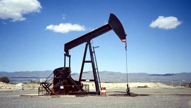 La perforación petrolera se redujo a menos de la mitad del promedio anual