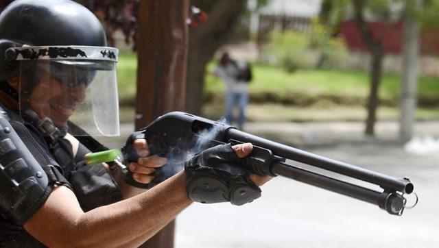 El gobierno comprará 15 millones de balas de goma para unir a los argentinos