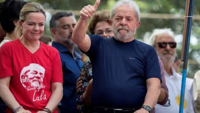 """Cuando transportaban a Lula en avión a la cárcel pidieron """"tirarlo por la ventana"""""""