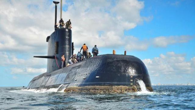 Ante el abandono, familiares de los tripulantes del submarino piden un equipo de búsqueda