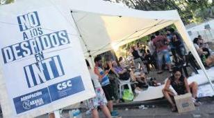 Organizan otras 96 horas de acampe contra los despidos en el INTI