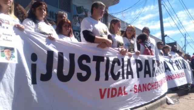 Impresionante marcha en Moreno a tres meses de la explosión en la escuela