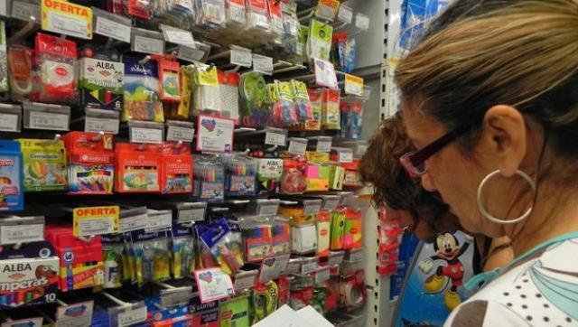 Otro estudio muestra que la canasta escolar cuesta casi el doble que el año pasado