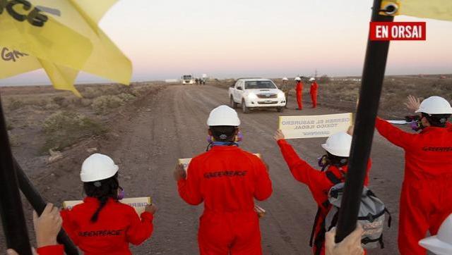 Greenpeace bloquea las operaciones de un basurero tóxico e ilegal en Vaca Muerta