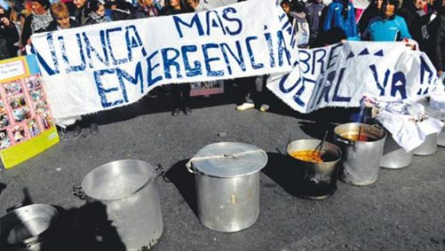 Como en la crisis del 2001, organizaciones sociales acamparán frente a los supermercados