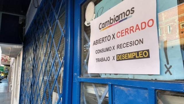Bahia Blanca: mirá los carteles que aparecieron en los comercios cerrados de la ciudad