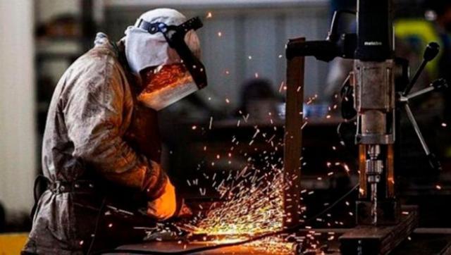 Según la UIA la actividad industrial cayó 9 % en el primer trimestre