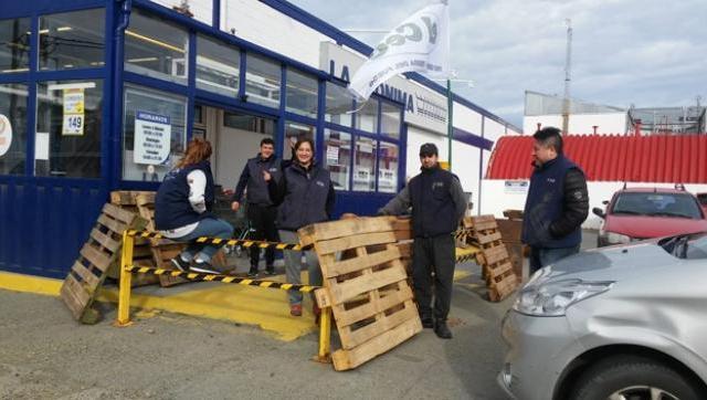 Siguen los despidos en el supermercado de la familia de Marcos Peña Braun
