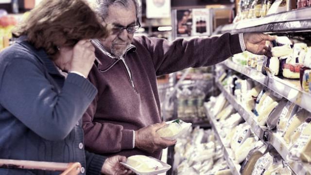 Crisis en las góndolas: las ventas cayeron un 22,9% en shoppings y 12,6% en los súper