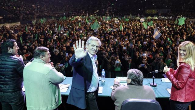 Alberto Fernández: â??A Macri se le acabaron los semestres y no trajo ni un solo centavoâ?