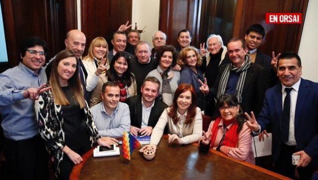 Cristina se reunió con representantes del Parlasur y analizaron el TLC que celebró Macri con la UE