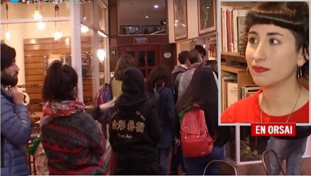 Librería rosarina celebró el triunfo de los Fernández con una increíble sorpresa para sus clientes