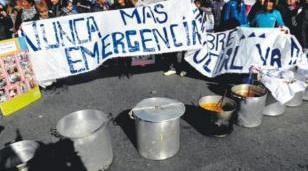 """Sebastián Raspa: """"Se acercaron más de 200 familias a nuestra olla popular"""""""