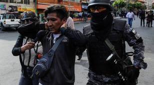 Desatan una cacería contra los funcionarios de Evo Morales en Bolivia