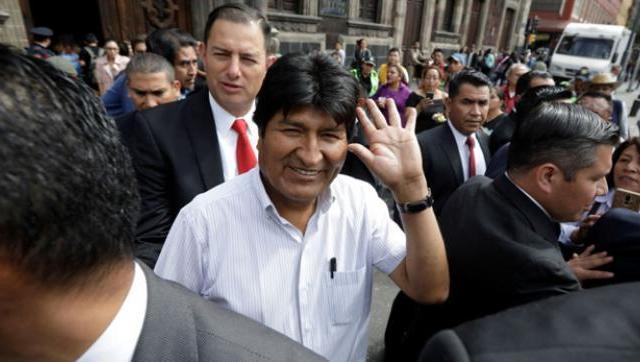 Evo Morales llegó a la Argentina y pidió asilo político al Gobierno