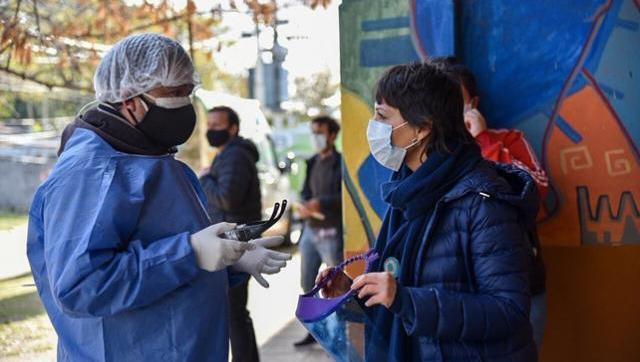 Operativo sanitario en Villa Azul para contener detectar casos de coronavirus