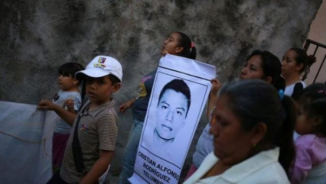 Hallan restos de uno de los 43 estudiantes desaparecidos de Ayotzinapa