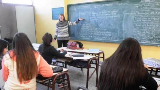 Docentes advirtieron que Larreta obliga a volver a clases y que las escuelas carecen de aulas de auxilio