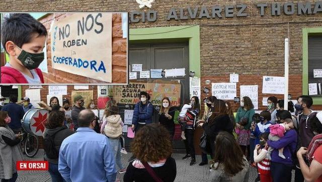 Caravana de Antorchas en defensa de la Cooperadora de una Escuela Pública