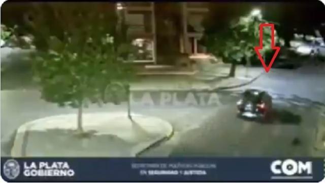 Escándalo: los video entregados a la justicia por la Municipalidad de La Plata, estarían editados con autos y motos que desaparecen