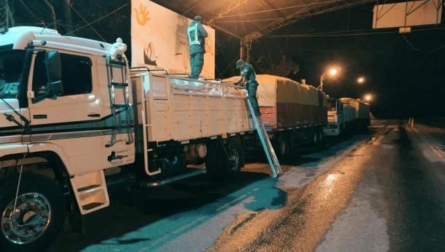 Gendarmería detectó quince camiones con 436 toneladas de soja que intentaron cruzar a Paraguay