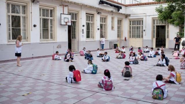 Los trabajadores de la Educación denunciaron 38 contagios de COVID en las escuelas porteñas