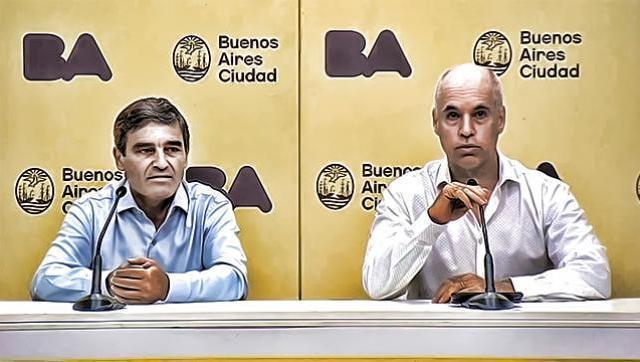 Denuncian vacunación VIP en el Hospital Fernández