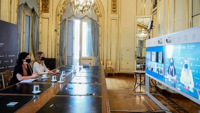 Vizzotti inició diálogo con China e Israel para producir vacunas en Argentina