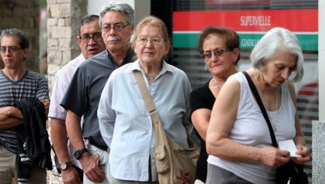 El Gobierno anunció un aumento del 12,12% para las jubilaciones a partir de junio
