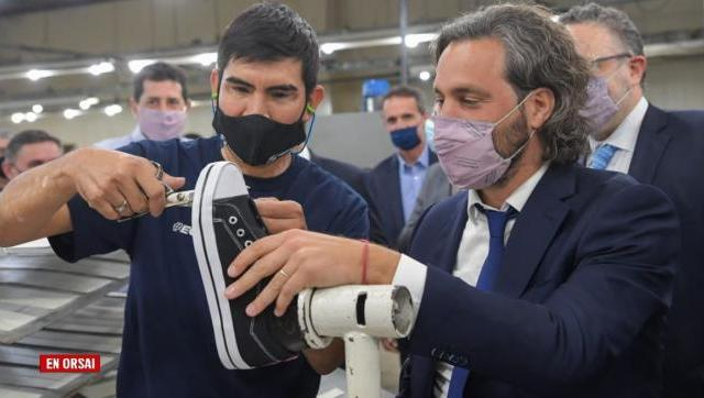 Santiago Cafiero visitó la planta de Topper empresa que realizará inversiones por más de 500 millones