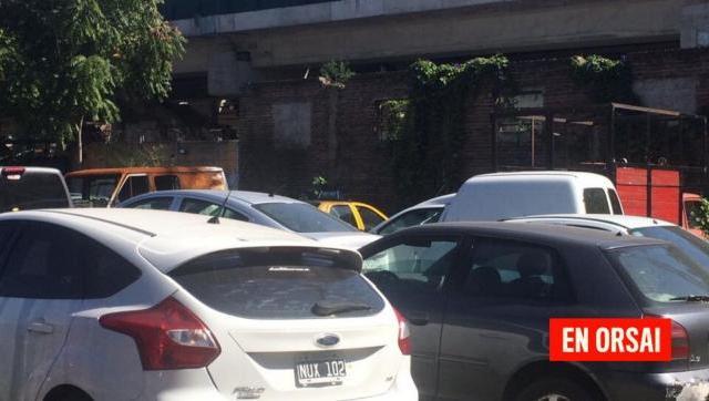 Peligrosa contaminación por más de 100 vehículos abandonados por el gobierno de la Ciudad de Buenos Aires