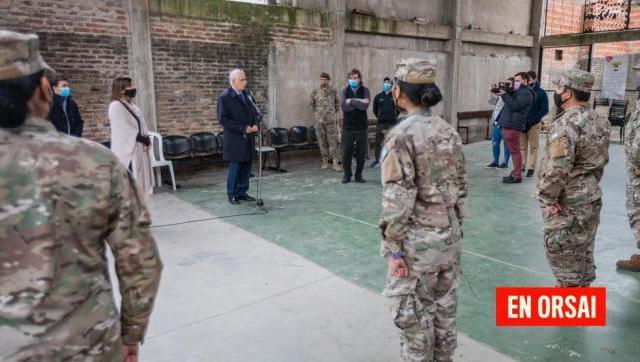 """Pandemia: Taiana y """"Pepe"""" Di Paola supervisaron las tareas que realiza el Ejército en el barrio La Cárcova"""