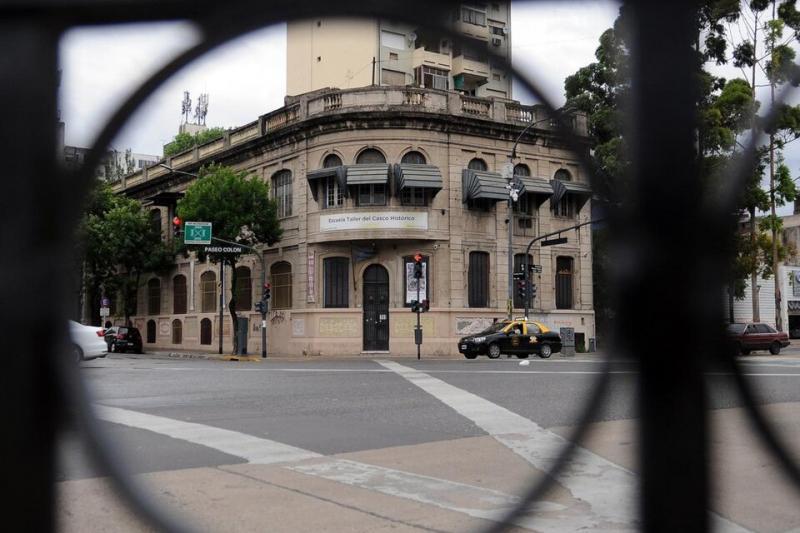 El edificio histórico de la escuela que el gobierno de Larreta desea demoler
